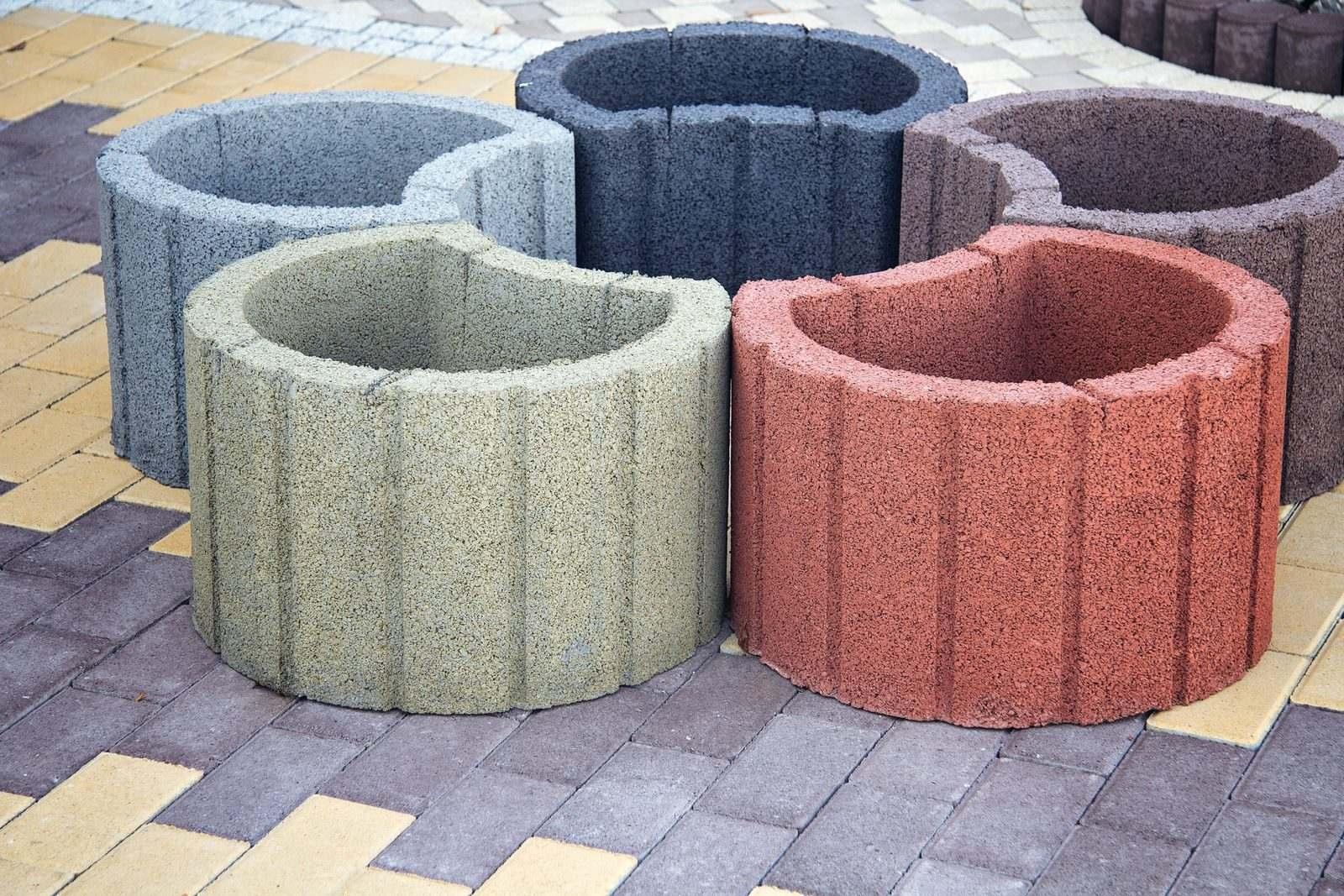 клумба - бетонний обмежувач руху